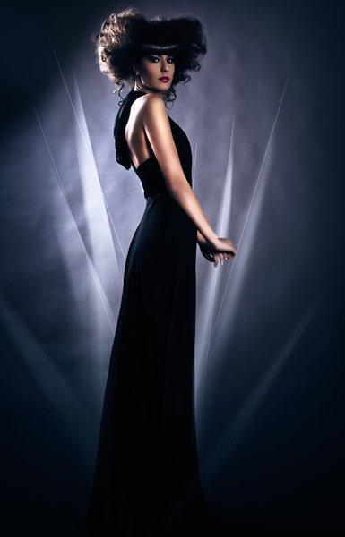Kapucnis Selyem Alkalmi Ruha Designer Wedding Dress