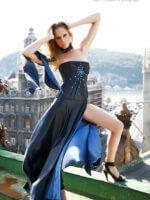kék szatén alkalmi ruha mellén ráncolással