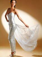 ezüst alkalmi ruha uszállyal