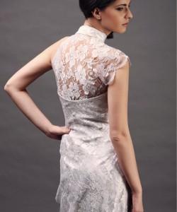 szatén esküvői ruha csipkés