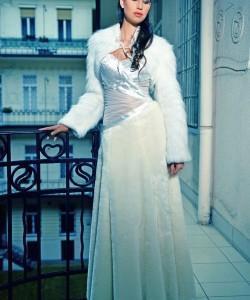 esküvői ruha ecrü műszőr