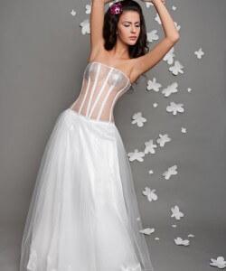tüll fűzős esküvői ruha