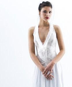 halvány rózsaszín menyasszonyi ruha