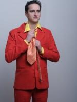 tégla színű öltöny
