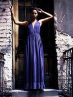 lila selyem alkalmi ruha gyöngysorokkal díszítve
