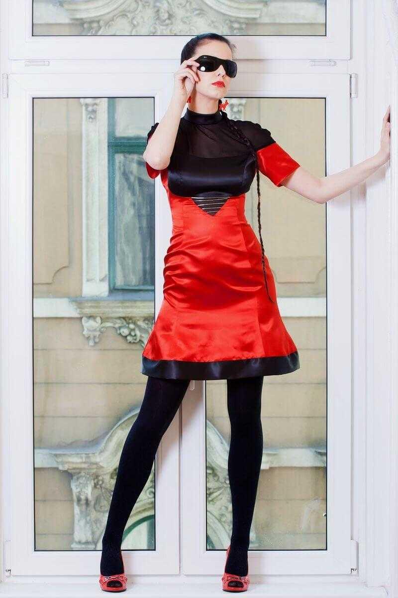 piros szatén fekete muszlin ruha 0fe2ca818c