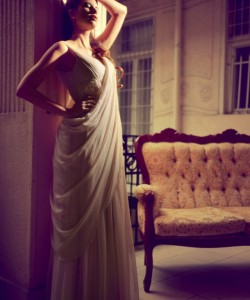 púder szín gyöngyös menyasszonyi ruha