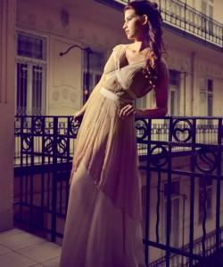 púder és tób színű esküvői ruha