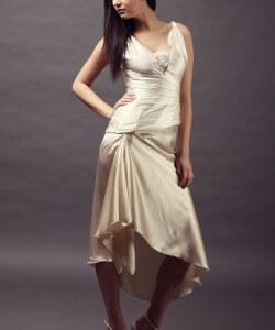 háromszínű selyem menyasszonyi ruha