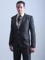 szürke selyem öltöny
