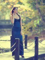 kék taft báli ruha fekete csipkével