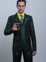 Smaragdzöld taft öltöny.