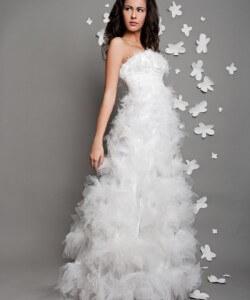 tüll virágos esküvői ruha