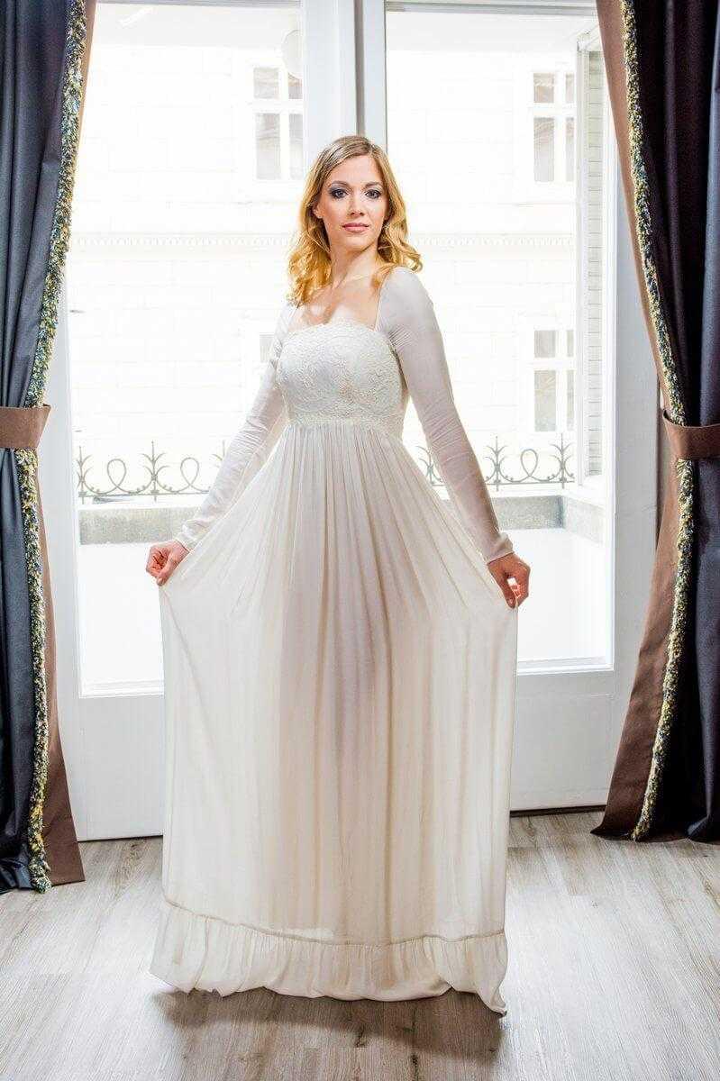 d741c86291 Esküvői ruhák, menyasszonyi ruhák, egyedi esküvői ruha ...