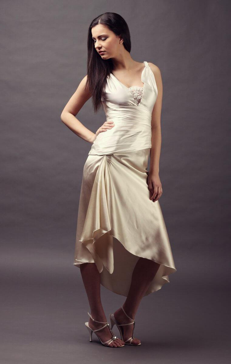 c08cb05601 háromszínű selyem menyasszonyi ruha. 3 színű hernyóselyem szatén ...